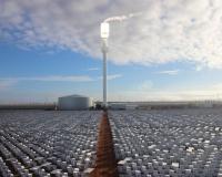 2016-06-08_Sundrop_Farms_Solar_tower_Flux_on_panels007