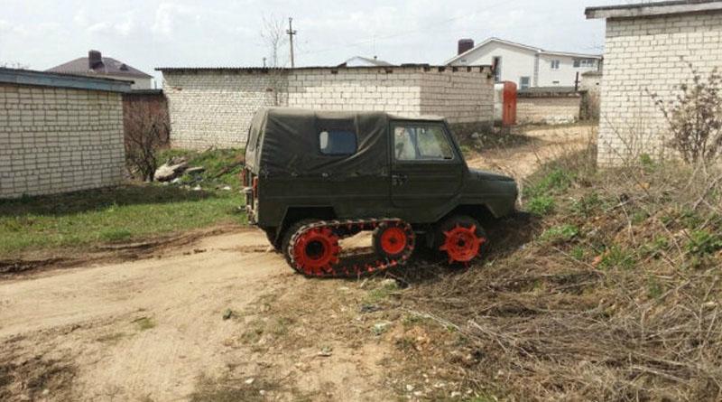 """Фермер змайстрував """"копач картоплі"""" з позашляховика ЛуАЗ"""