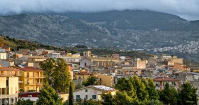 Будинок за долар: в Іспанії продовжують дарувати закинуті будинки